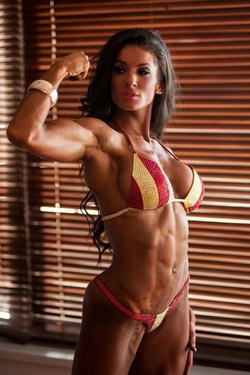 muscle-fitness-babes-pics-picture-of-pat-martinos-japanese-wife